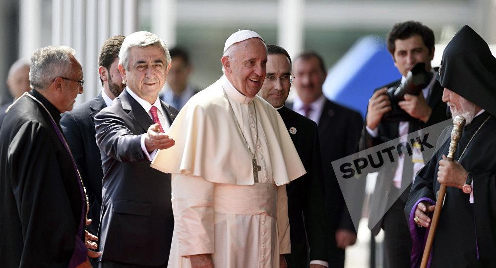 Папа Римский Франциск I прибыл в Армению