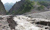 Наводнение в Дарьяльском ущелье