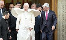 Папа Римский Франциск I в резиденции президента РА Сержа Саргсяна