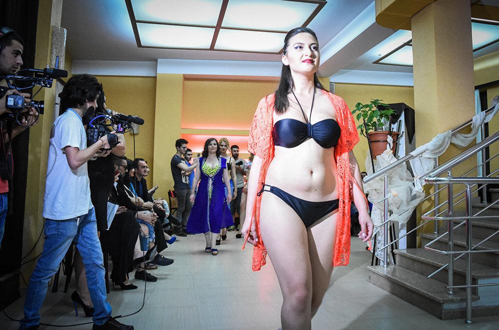 Конкурс мисс грудь.видео
