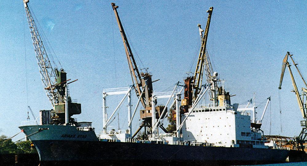 Поти - морской порт и город в Грузии