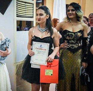Женщин в Грузии оценивали по величине и красоте груди