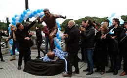 Месси в бронзе: статую аргентинского футболиста установили в Буэнос-Айресе