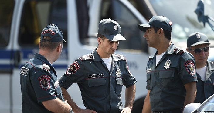 Сотрудники полиции Армении
