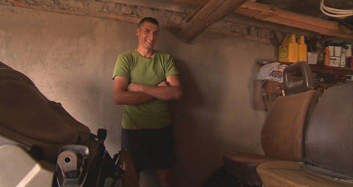 Житель молдавского села Пайку Кагульского района Руслан Чоботару изобрел и собрал своими руками эксклюзивные трактор и автомобиль