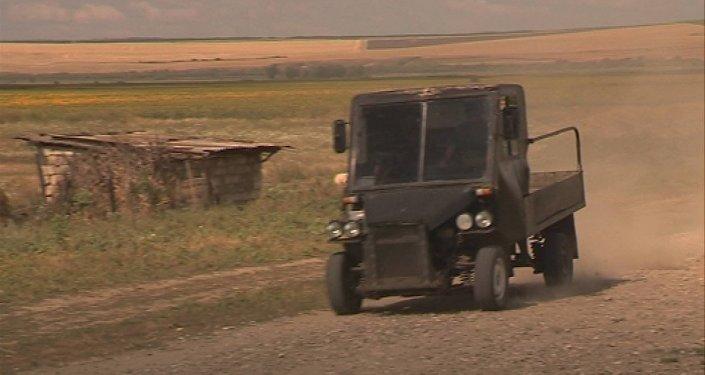 Автомобиль, собранный жителем молдавского села Пайку Кагульского района Русланом Чоботару