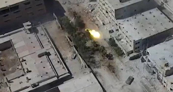 Бои на улицах Алеппо: сирийские войска выбили боевиков в ходе атаки