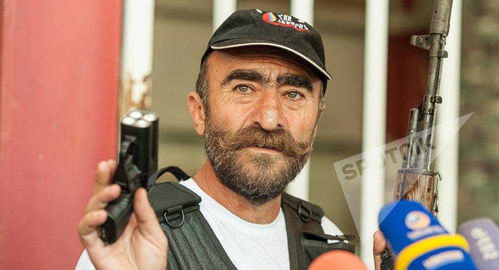 ВЕреване арестован глава группы захватчиков здания милиции