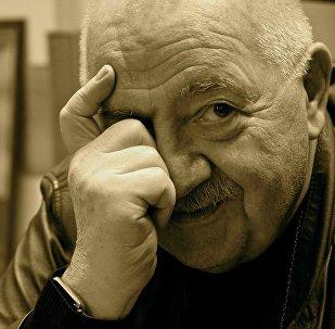 რობერტ სტურუა
