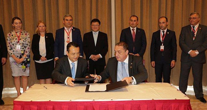 Грузия и КНР подписали соглашение освободной торговле
