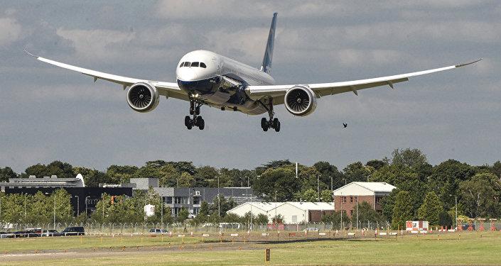 Пассажирский самолет Boeing 787-9 Dreamliner