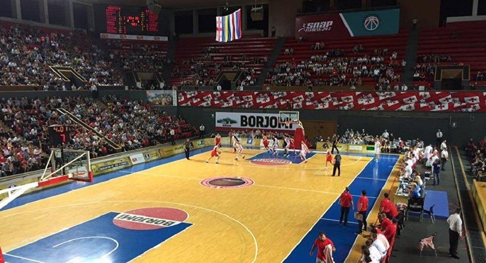 Русские баскетболисты обыграли украинцев вматче товарищеского турнира