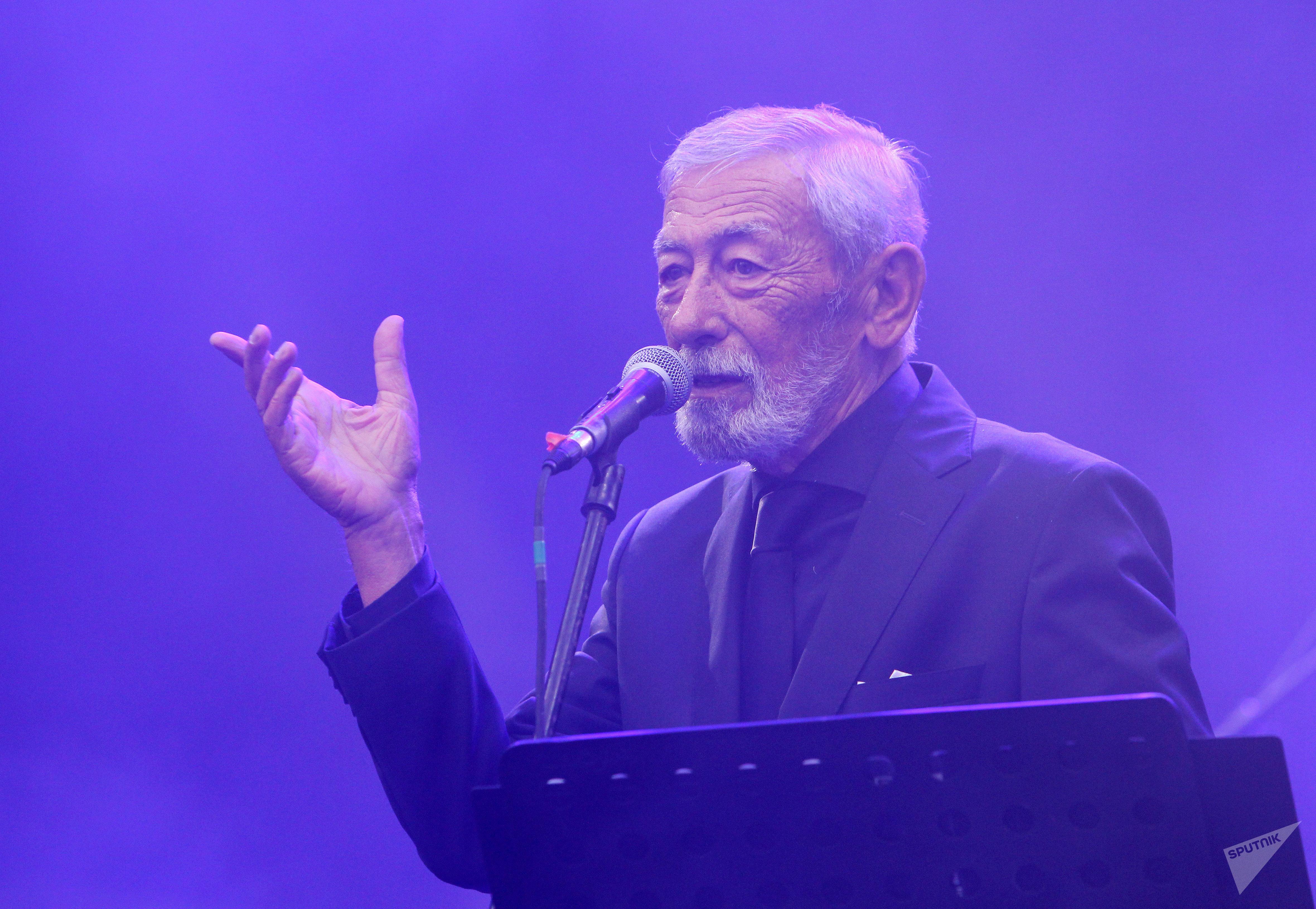 Вахтанг Кикабидзе спел на фестивале Kubana в Риге