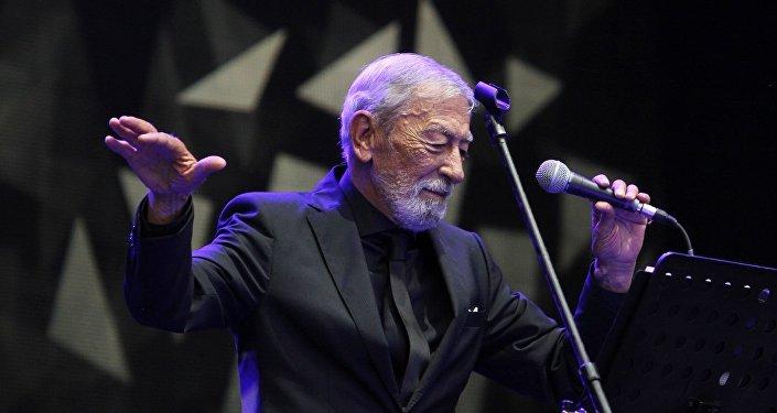 Грузинский певец Вахтанг (Буба) Кикабидзе