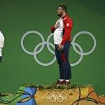Лаша Талахадзе на церемонии награждения на Олимпиаде в Рио.