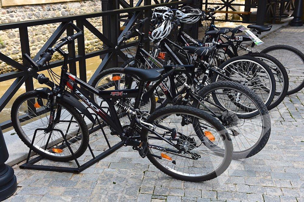 В крупных современных отелях в Боржоми можно арендовать велосипеды для прогулок по городу