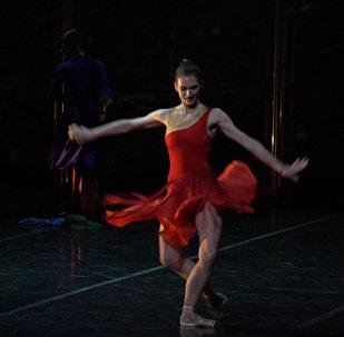 Кармен в лагере беженцев: необычный балет петербургского театра