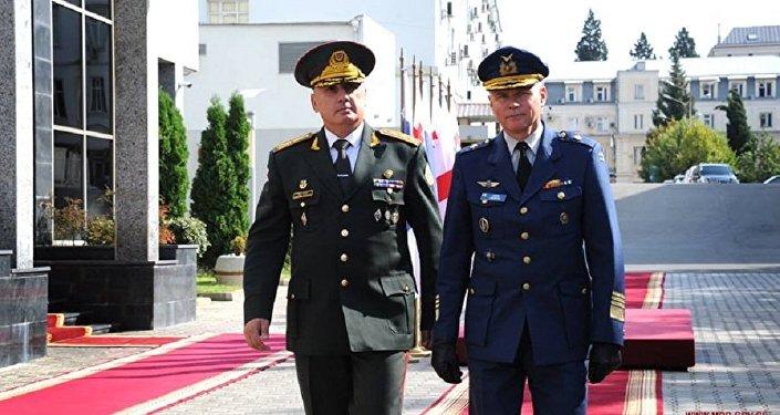 Главы Генштабов ВС Грузии и Финляндии Вахтанг Кападзе и Ярмо Линдберг