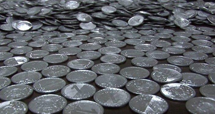 Фальшивые монеты номиналом 1 лари