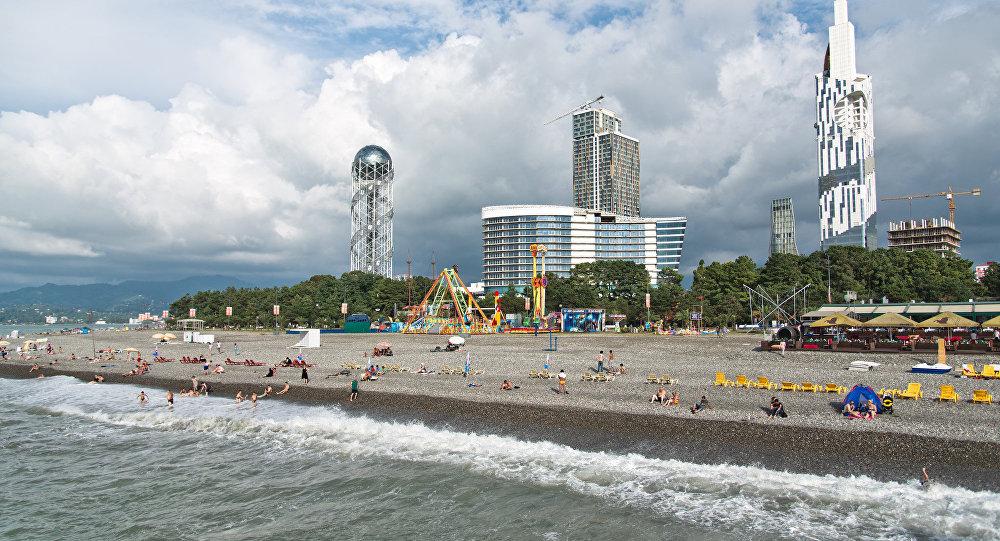 Батуми попал в топ-5 курортов Forbes для отдыха в бархатный сезон