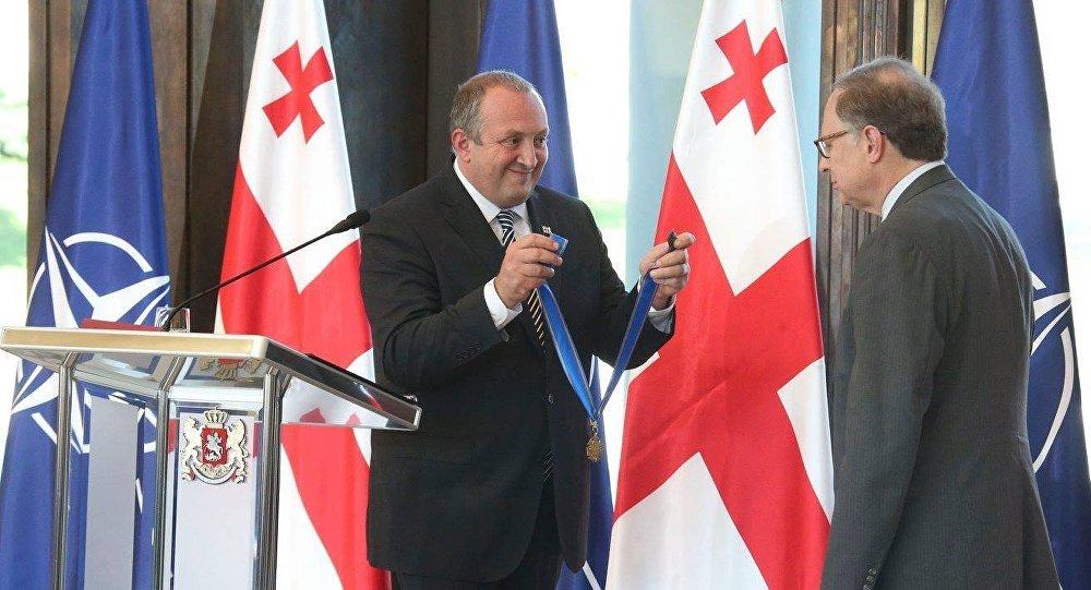 Вершбоу награжден орденом Золотого руна в Грузии
