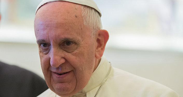 Папа Франциск прибыл вГрузию