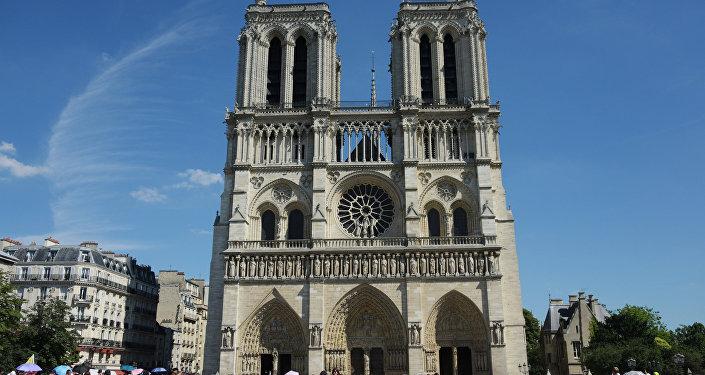 Встолице франции вспоминают жертв терактов этого года — Один ужасный день