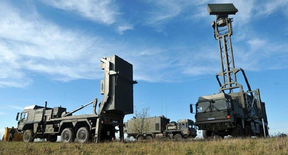 Зенитный ракетный комплекс типа VL MICA и мобильная радиолокационная станция