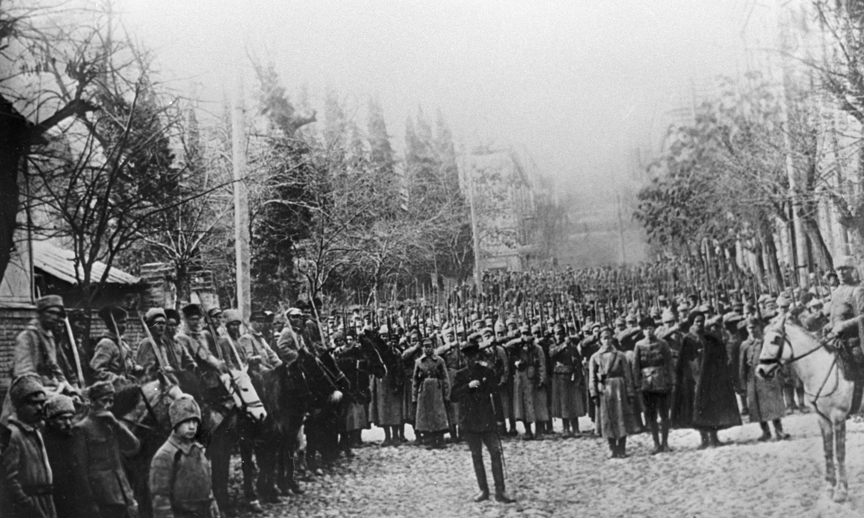 Бойцы Красной Армии вступают в Тифлис в 1921 году