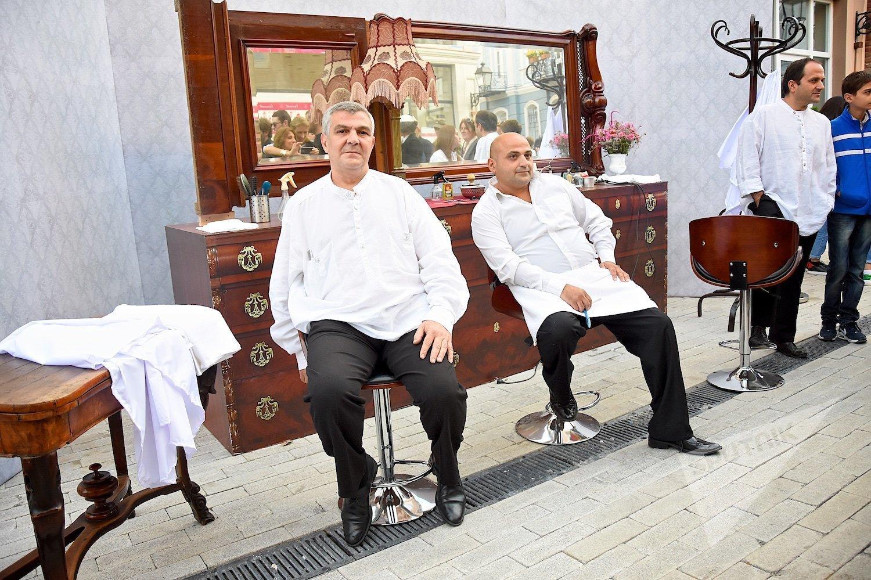 Стрижка в салоне среднего класса в Тбилиси обойдется в пять-шесть долларов