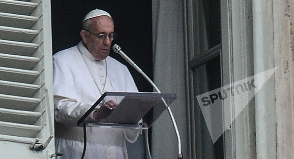 Президент Грузии принял папу Римского