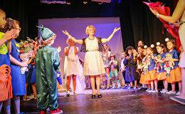 ირმა სოხაძემ თეატრ-სტუდია მხიარულ ნოტებში ბავშვებთან ერთად იმღერა