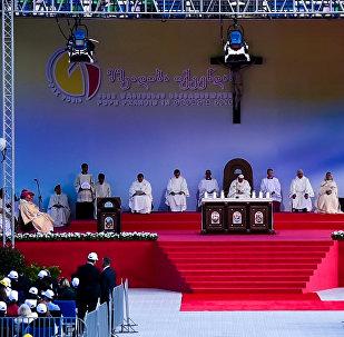 რომის კათოლიკური ეკლესიის წინამძღოლმა თბილისში მესა ჩაატარა