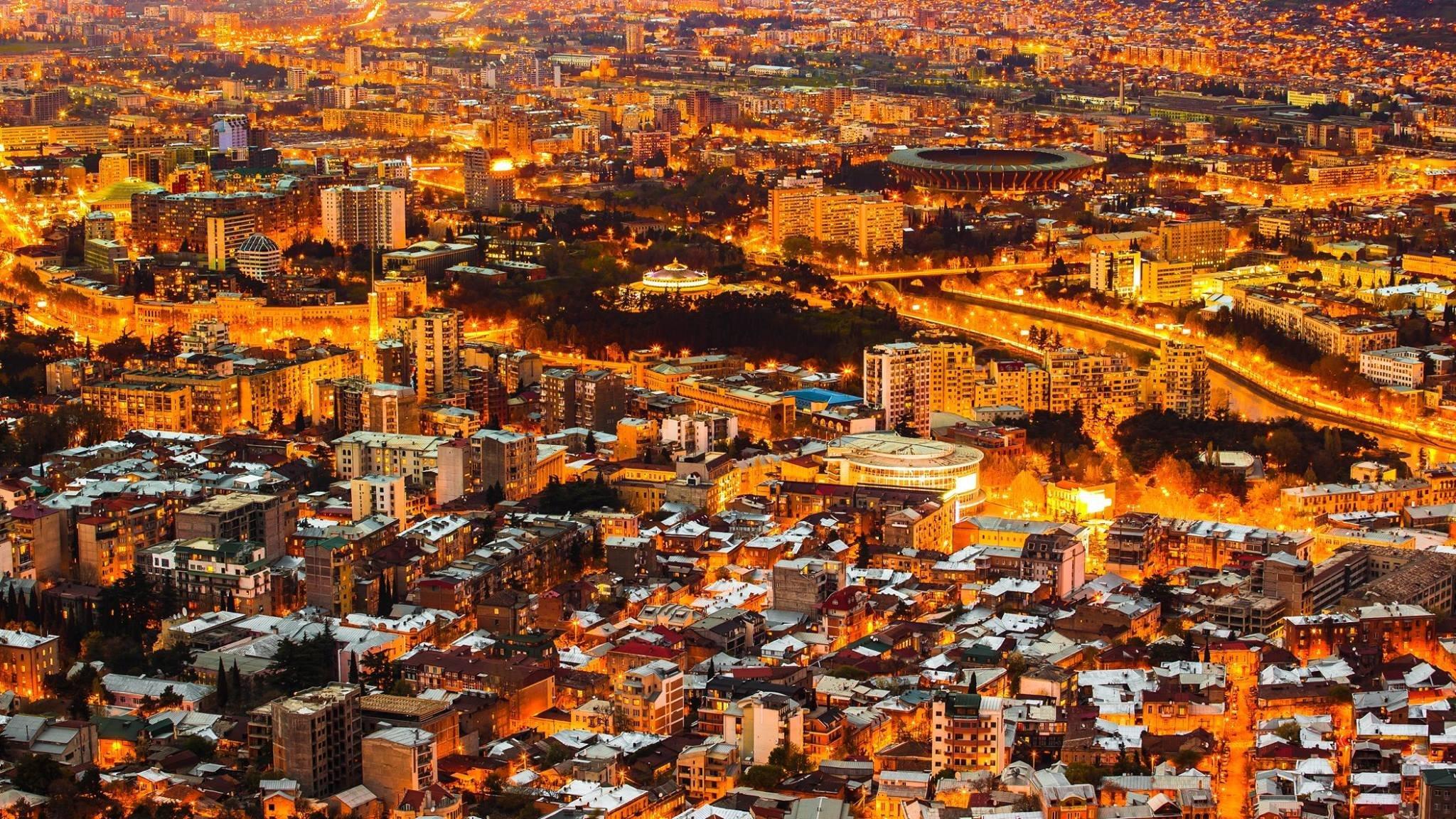 Оранжевый Тбилиси, фото Томаса Вахе