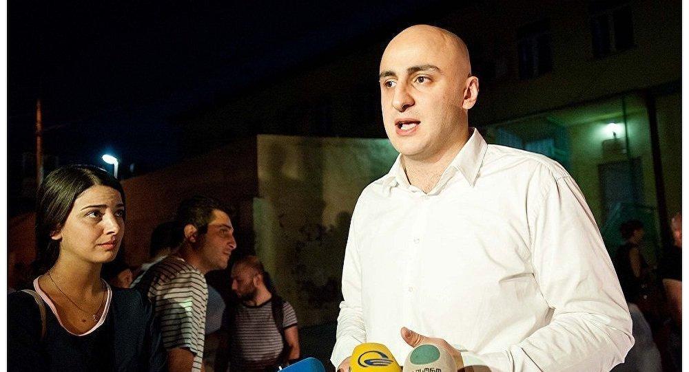 Партия Саакашвили протестовала под ЦИК Грузии против результатов парламентских выборов