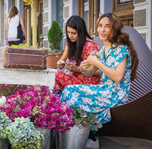 თბილისელი გოგოების თბილისური შემოდგომა