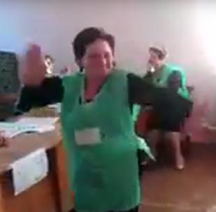 შალახო არჩევნების დღეს ერთ-ერთ საარჩევნო უბანზე