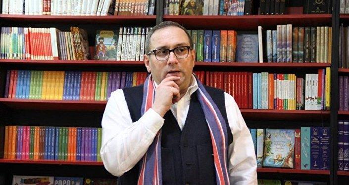 Один из лидеров партии Единое национальное движение Ника Руруа