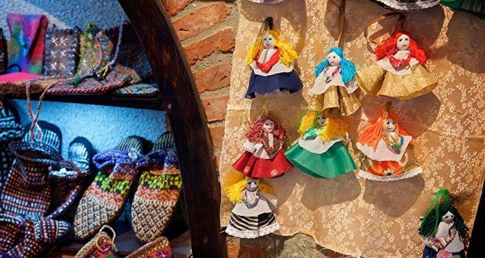 Фигурки ручной работы - грузинские сувениры