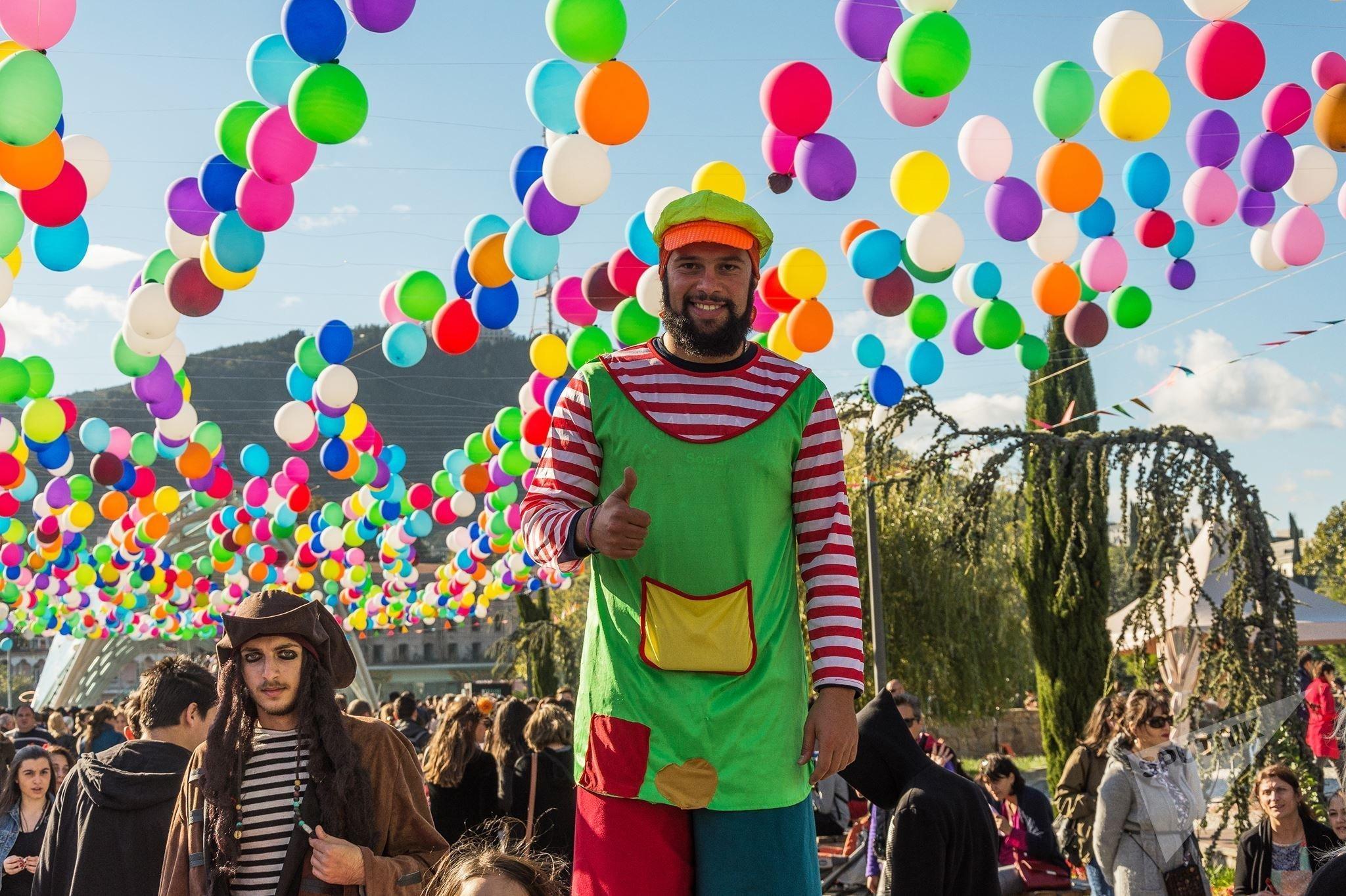 Радостные краски праздника Тбилисоба