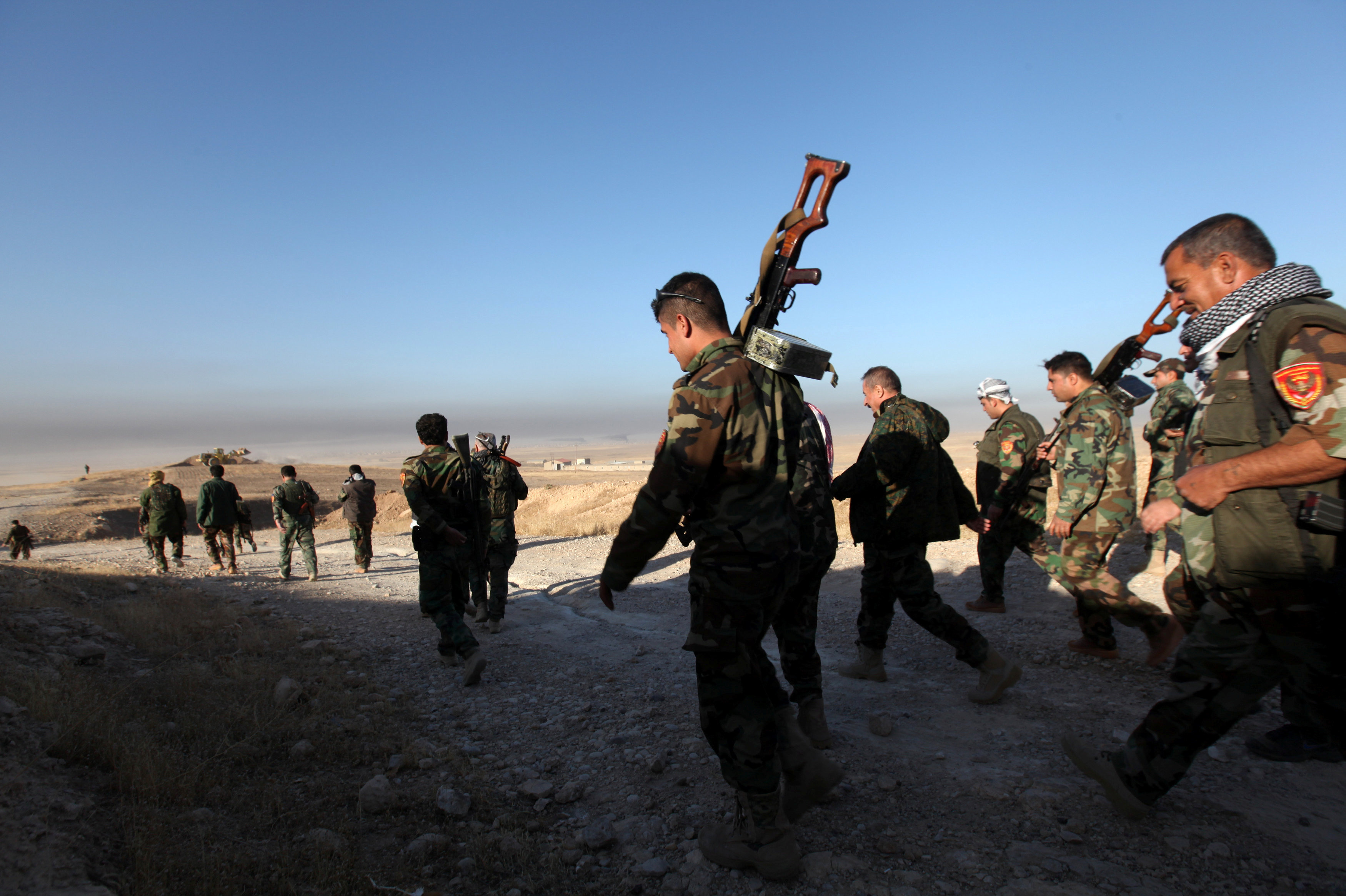Правительственные силы перед атакой на позиции боевиков ИГ в городе Мосул, Ирак