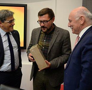 Глава МИД Парагвая Эладио Лойсага посетил офис Sputnik