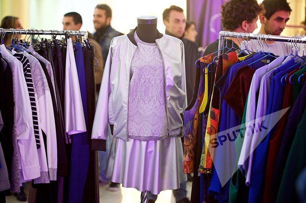 На открытии шоу-рума Tbilisi Fashion Week посетители торгового центра свободно могли приобрести любые понравившиеся им вещи