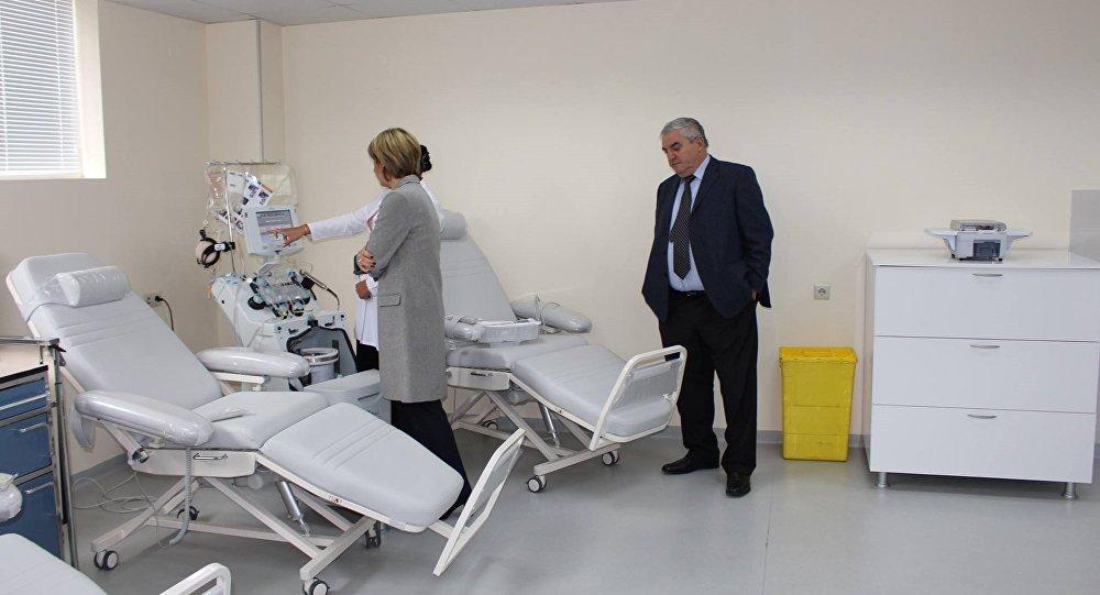 Представители Минздрава проверяют клиники в Тбилиси