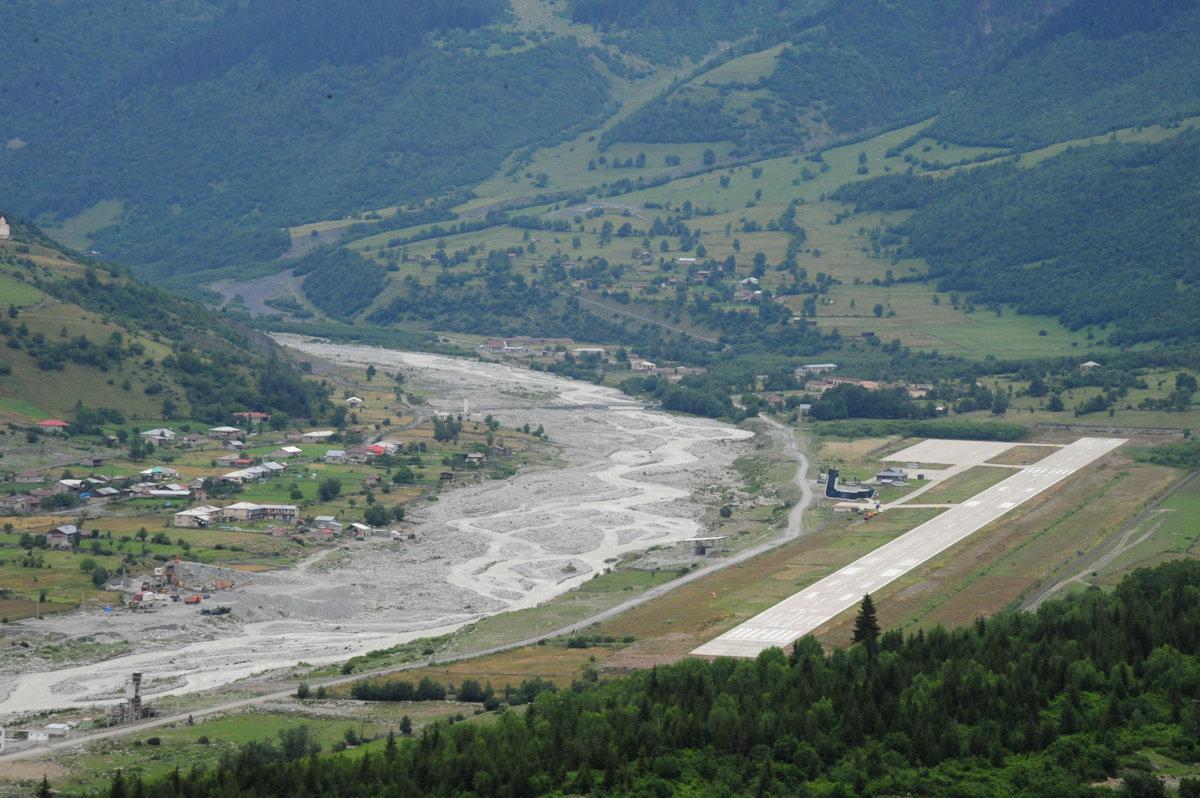 аэропорт в Местиа Сванетия