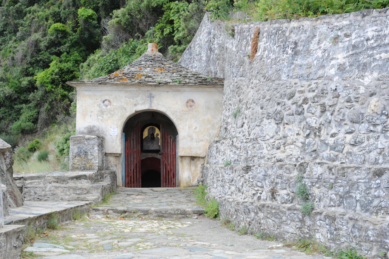 Святой источник Иверской Божией Матери на территории Иверского монастыря на горе Афон