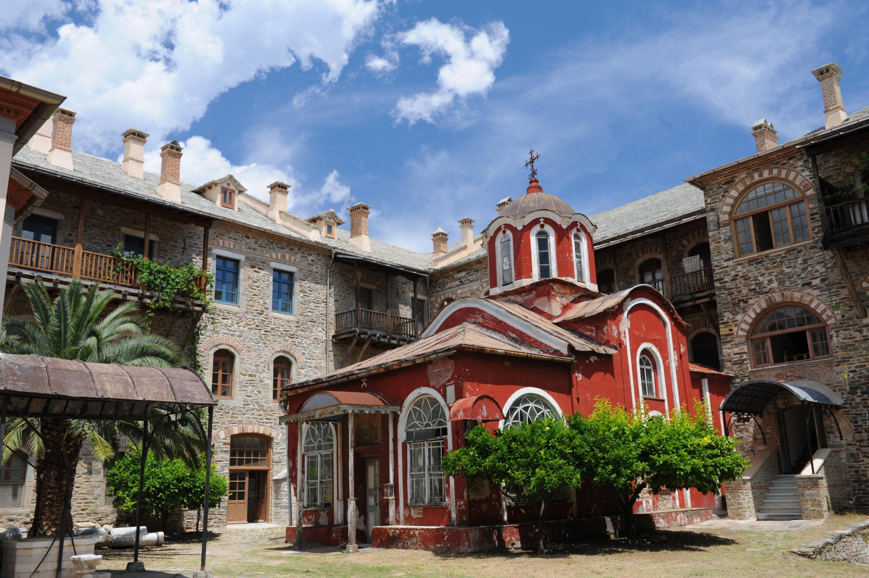 На территории Иверского монастыря на горе Афон
