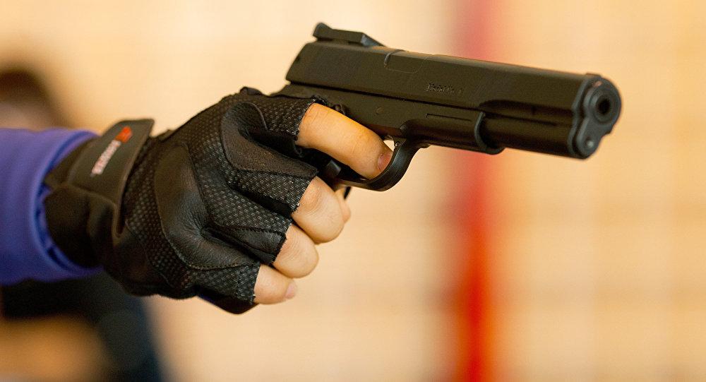Видео попадания в человека из оружия