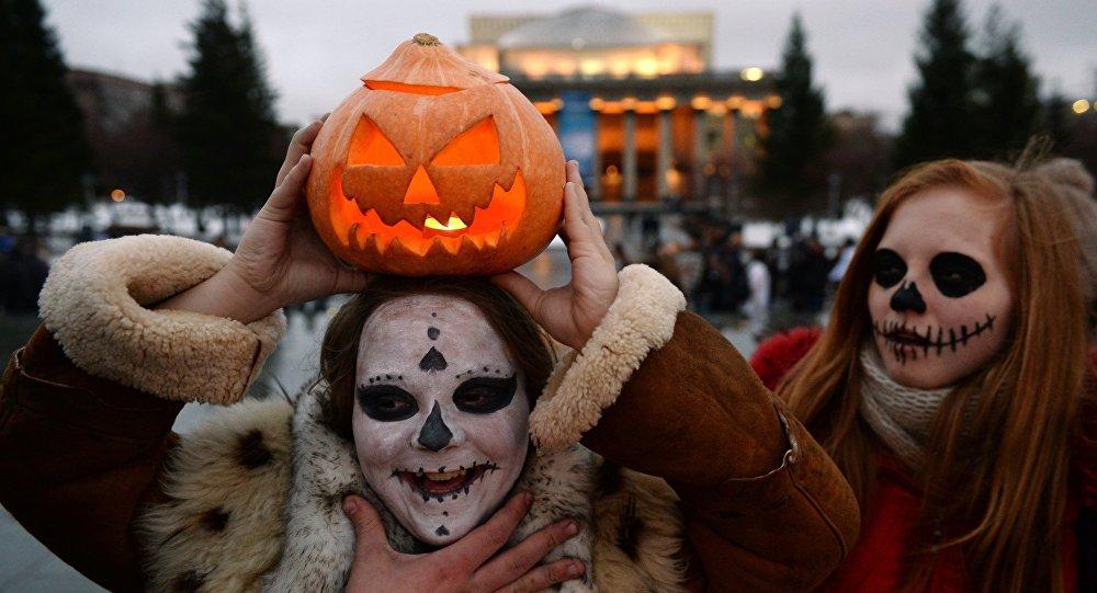 Видео: история праздника Хэллоуин