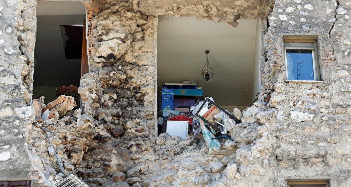 Впроцессе мощного землетрясения вИталии были ранены десятки людей